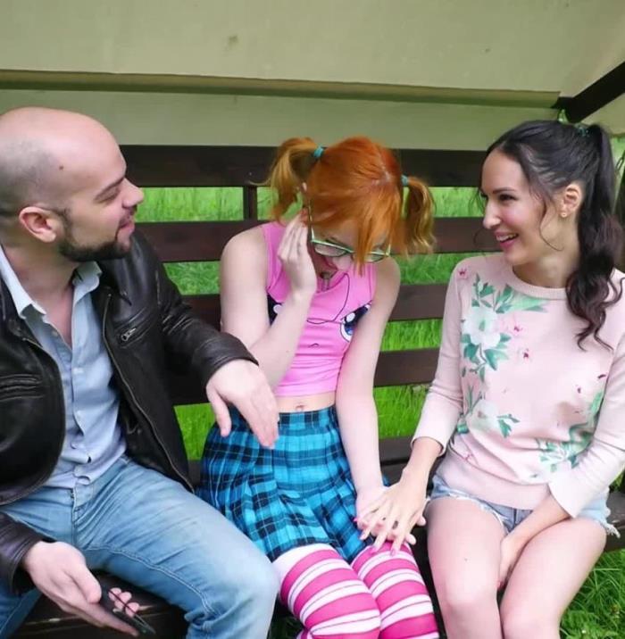 07.2017 -  Lilu nous presente sa copine Kira !:  Lilu, Kira - JacquieEtMichelTV [FullHD]