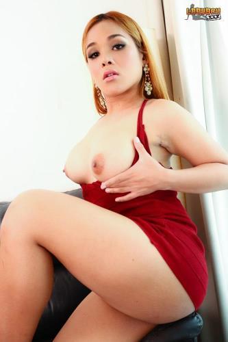Angie / Red Hot Angie's Creamy Cum (21.07.2017/ladyboy.xxx/FullHD/1080p)