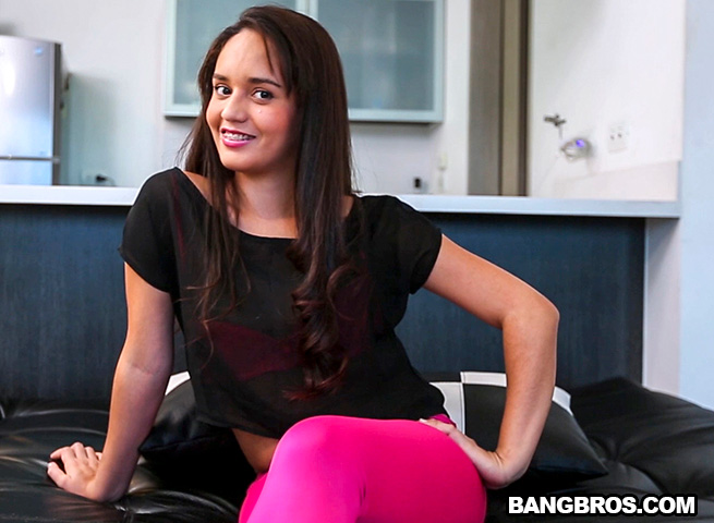 Evelyn Suarez - Amateur Latina Wants The Experience of Making A Porn [BangBros, ColombiaFuckFest / SD]