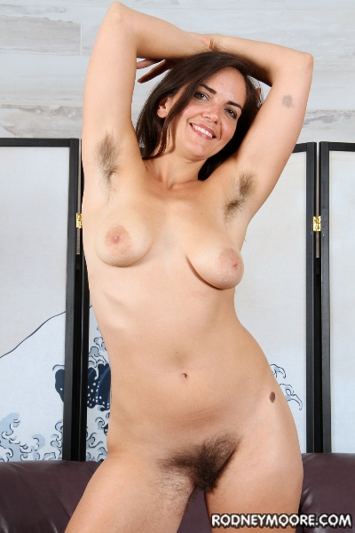 (All Sex / MP4) Katie Zucchini - Hairy Pussy Licker Needed RodneyMoore.com - SD 400p