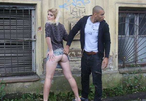 Kamali - Next door blonde in anal public fuck (2012/HD)