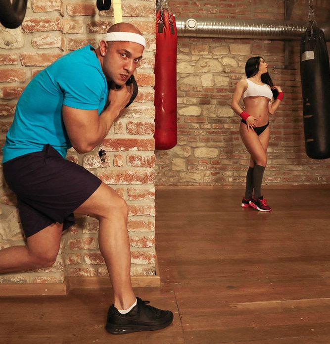 FitnessRooms - Inna Innaki - Spied on Greek Gym Babe Gets Fucked [HD 720p]