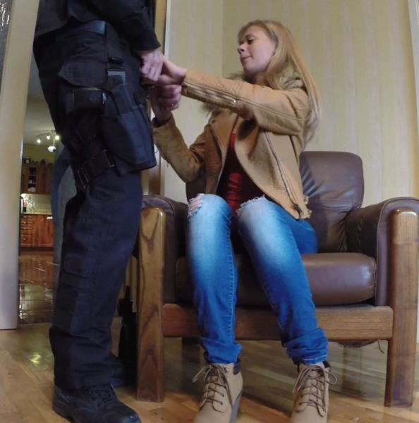 FakeCop/FakeHub: Peneloppe Ferre - Cops Charm Gets MILF Wet  [SD 480p] (394.1 Mb)