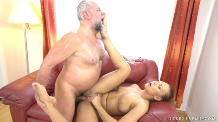GrandpasFuckTeens / 21Sextreme.com - Ornella Morgan - Pleasing Naughty Grandpa [SD, 480p]