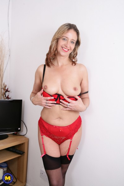 Mature.nl - Cass (EU) (45) - British housewife goes wild (Milf)  [SD / 540p / 326.84 Mb]