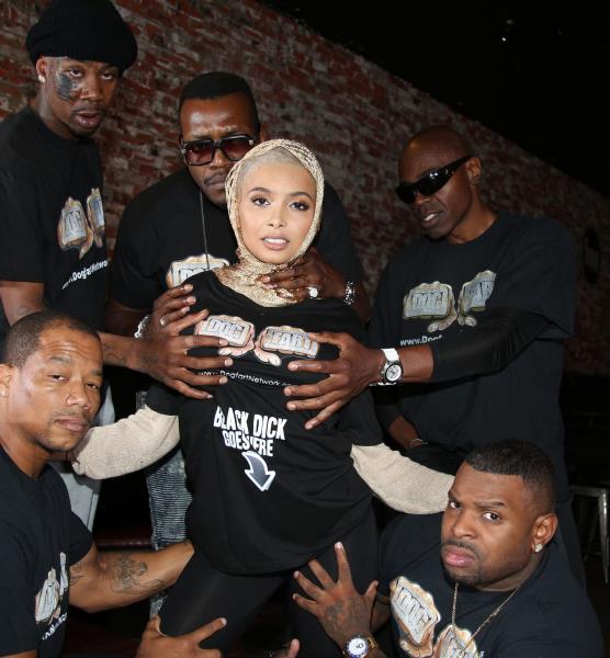 BlacksOnBlondes/DogFartNetwork:  Aaliyah Hadid(DP)   [SD 432p]