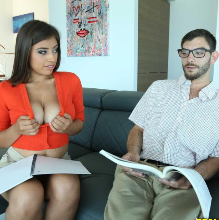 BigNaturals/RealityKings -  Ella Knox - Tits Are A Massive Distraction  [HD 720p]