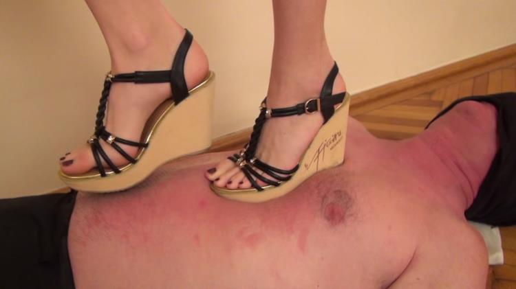Loren trampling in high heels sandals [Clips4sale / FullHD]