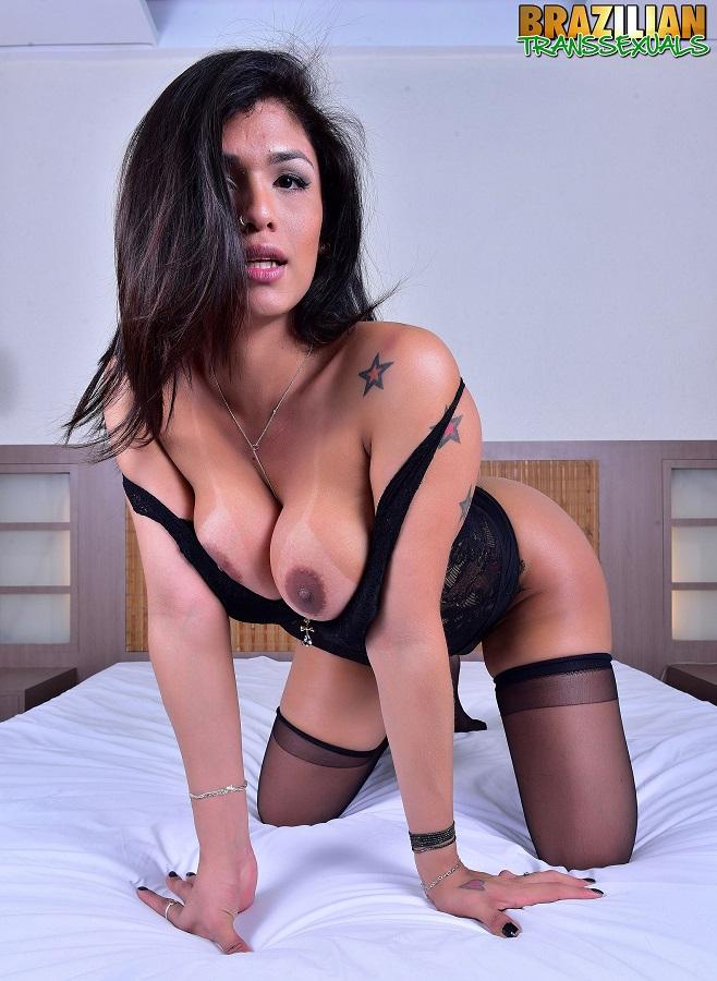 brazilian-transsexuals.com - Janiana Ribeiro [FullHD, 1080p]