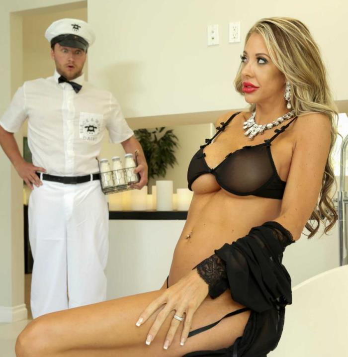 Courtney Taylor - The MILF Man (Milf) - MilfsLikeItBig/BraZZers   [SD 480p]