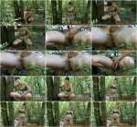 Pissing in jets in pantyhose in the forest (FullHD 1080p)