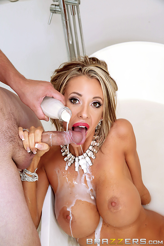 Brazzers -  Courtney Taylor - The MILF Man  [HD 720p]