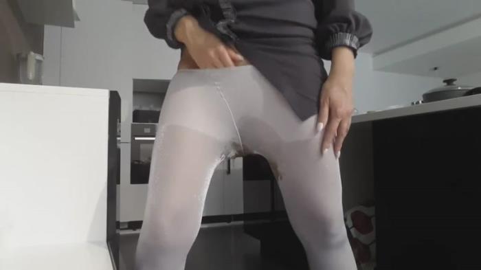 Goddess Pantyhose Pee - panthergodess (Scat Porn) FullHD 1080p