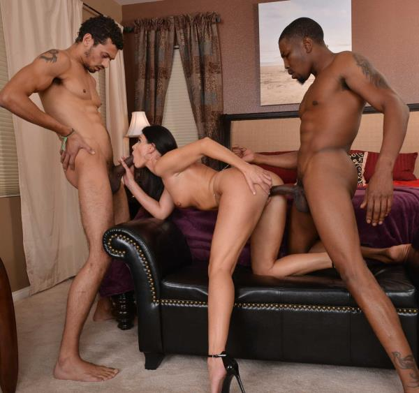 SeducedByACougar/NaughtyAmerica: India Summer, Alex Jones, Isiah Maxwell   [SD 480p] (335.65 Mb)