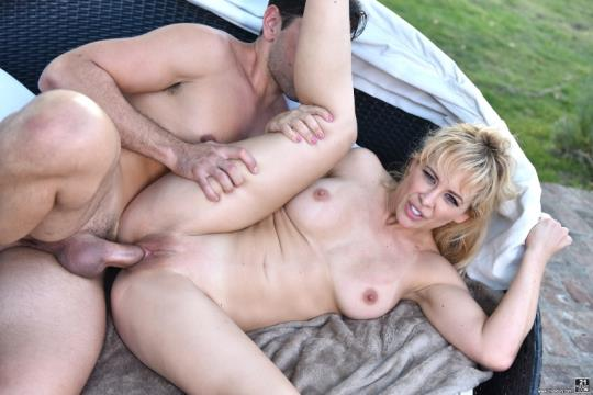 ClubSandy, 21Sextury: Cherie Deville - Daddy's New Wife (SD/400p/332 MB) 28.08.2017