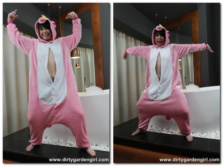 Pink unicorn - 03.08.2017 [DirtyGardenGirl / FullHD]