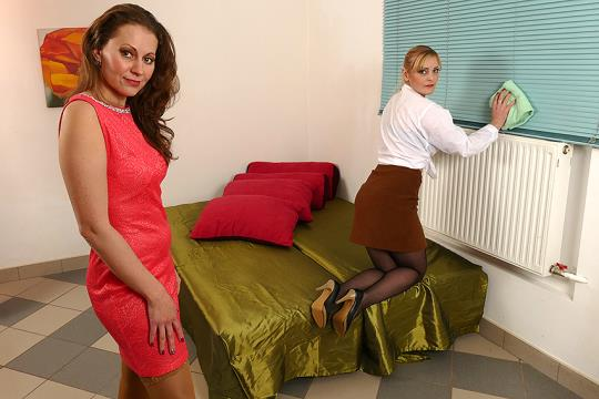 Mature.eu, Mature.nl: Audrey (37), Helga (36) - Bisexual housewives share a hard cock (FullHD/1080p/1.31 GB) 29.08.2017