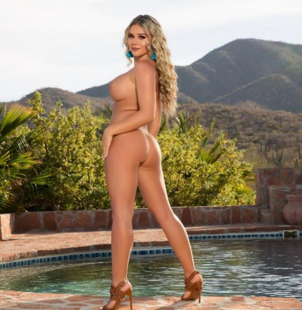 Tahlia Paris - Private Retreat (PlayBoyPlus)  [FullHD 1080p]