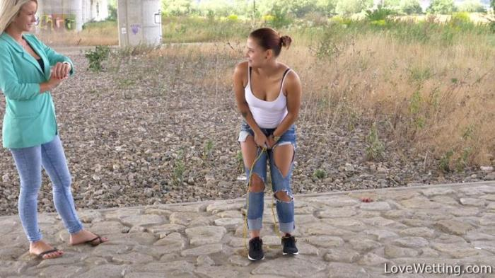 Aneta and Marika - Don't get angry / 21-08-2017 (LoveWеtting) [FullHD/1080p/MP4/1.62 GB] by XnotX