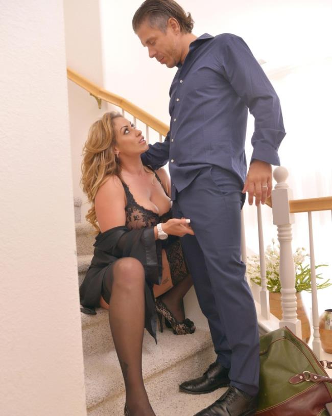 Eva Notty - Come On In: Busty Milfs Massive Titties Jizzed All Over (Milf) - HandsonHardcore/DDFNetwork   [FullHD 1080p]
