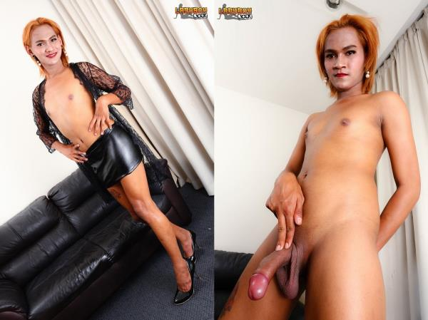 LadyBoy - So Tight Dam Goes Naked! [HD, 720p]