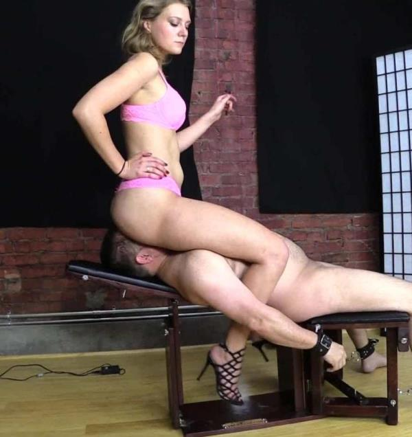 Kendall - Ass Smothers Restrained slave on Bench (BratPrincess2)  [FullHD 1080p]