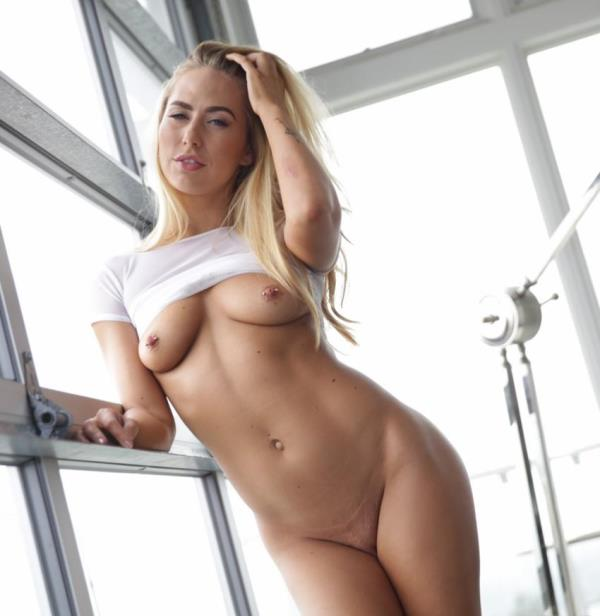 Carter Cruise - Facialed In Suds (Lubed)  [HD 720p]