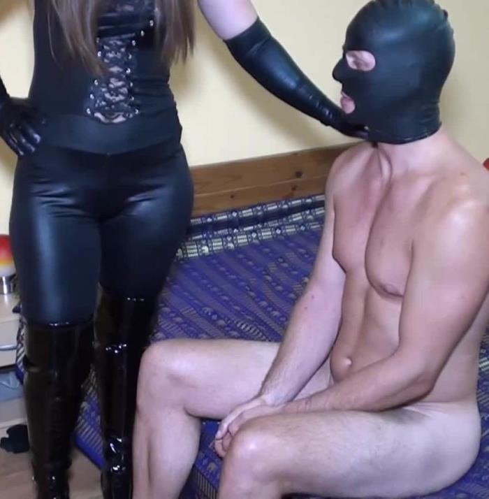 StraponQueens -  Queen Lissandra  - Strong Guy Gets Ass Fucked  [FullHD 1080p]