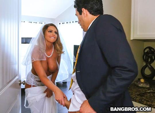 BangBrosClips, BangBros: Brooklyn Chase - Sex With Future Step-Mom (SD/480p/381 MB) 04.08.2017