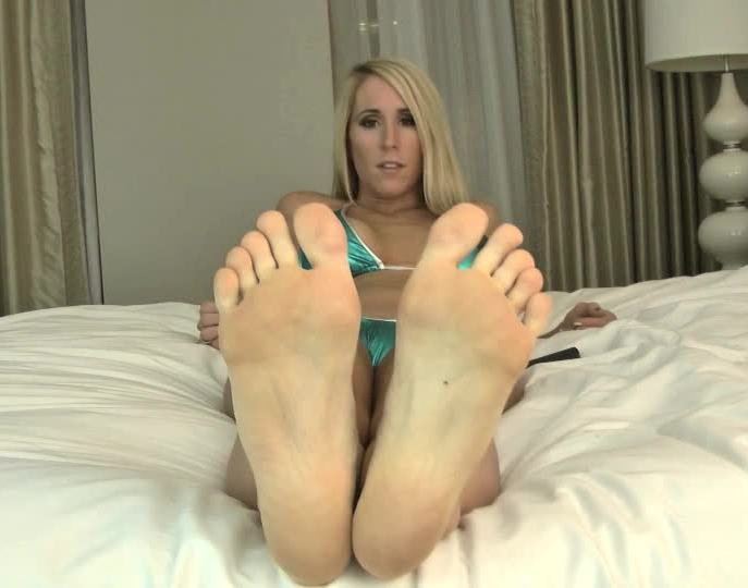 GreedyBlondes - Princess Lyne - My feet your purpose for living [SD 540p]