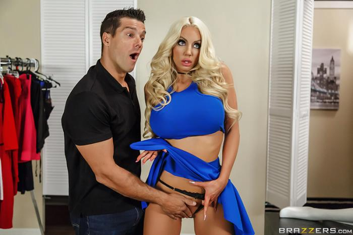 BrazzersExxtra/Brazzers - Nicolette Shea - Off The Rack (Milf)  [HD / 720p / 1.99 Gb]