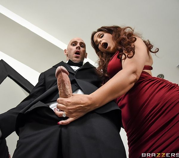 Syren De Mer - Mother Of The Bride  (2017/MommyGotBoobs/Brazzers/SD/480p)