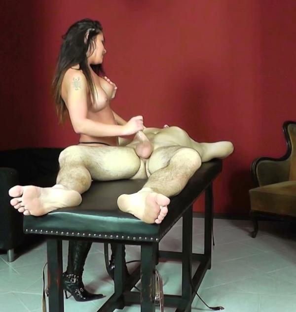 Mistress Lisa - Do you like my tits (Cruel-Handjobs)  [FullHD 1080p]