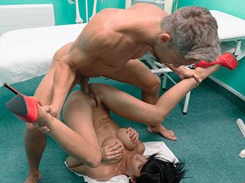 Valentina Ricci - Toilet room fucking for hot patient [FakeHub, FakeHospital / SD]