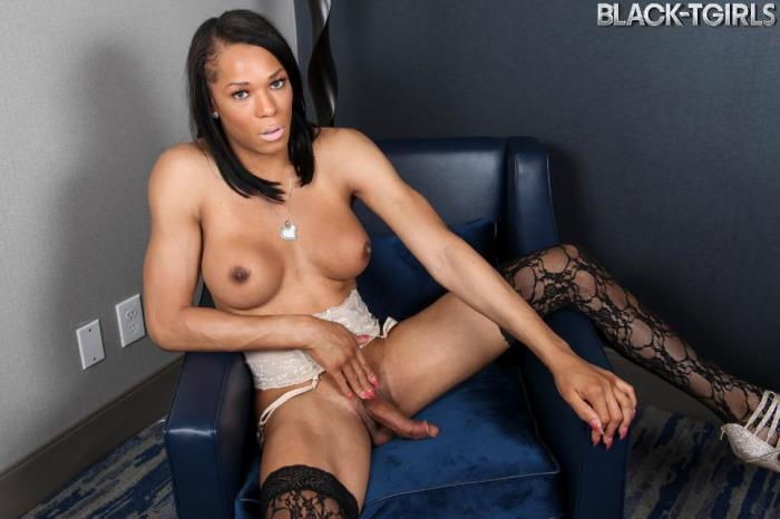 Kiara Cannon - Kiara Cannon Cums Just For You! (Black-TGirls) SD 480p