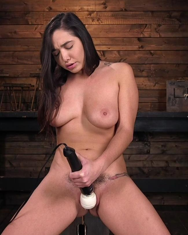 Kink/FuckingMachines: Karlee Grey - Big Tits, Big Ass, and Huge Squirting Orgasms!!  [HD 720p] (1.42 Gb)