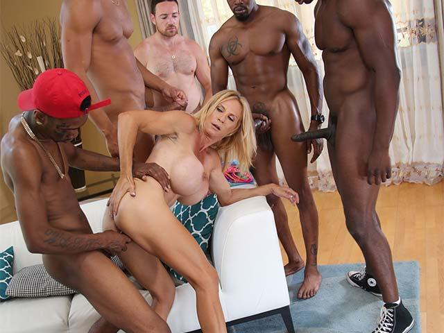 WatchingMyMomGoBlack.com / DogFartNetwork.com - Brooke Tyler [SD, 432p]