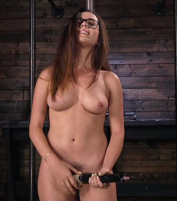 Roxanne Rae - Young Bratty Slut Gets Fucked Into Oblivion (Kink/FuckingMachines)  [SD 540p]
