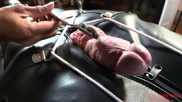 Inflatable leather [Seriousmalebondage.com] [HD] [443 MB]