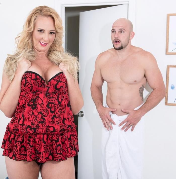 Penelope Star- In her first fuck video, Penelope does JMac  [HD 720p] 40somethingmag/PornMegaLoad