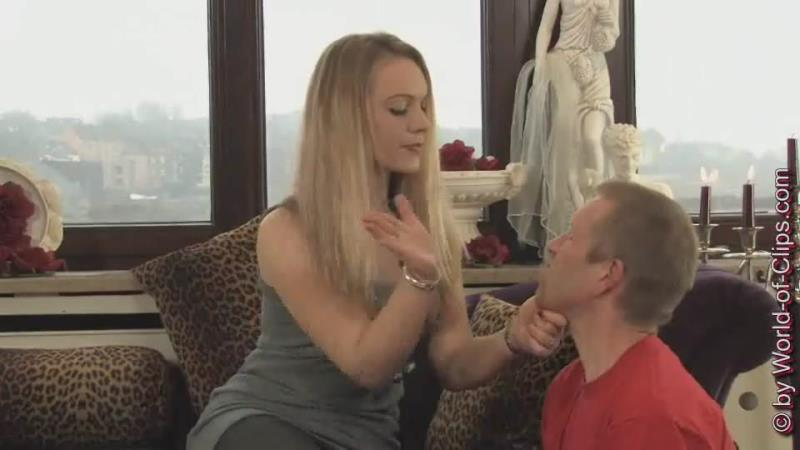 (Facesitting / WMV) Lady Joann - Face slapping, facesitting World-of-clips.com - SD 540p
