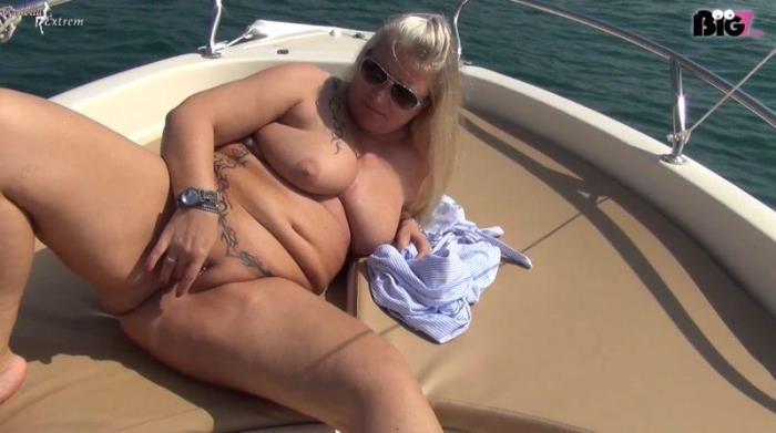 Eine Seefahrt die ist Lustig! Einzigartiger und gewagter-Public-Piss auf einem Boot! (NurdaSeine) HD 1072p