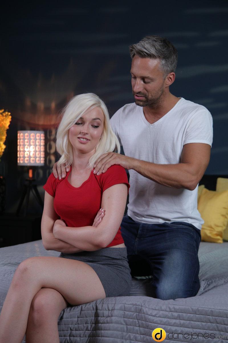 (Creampie / MP4) Lovita Fate - Make-up sex for cute blonde angel DaneJones.com / SexyHub.com - SD 480p