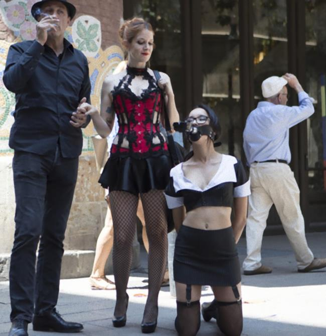 Kink/PublicDisgrace - Francys Belle, Irina Vega [Petite Brunette Brazilian Gets DPd in Public] (HD 720p)