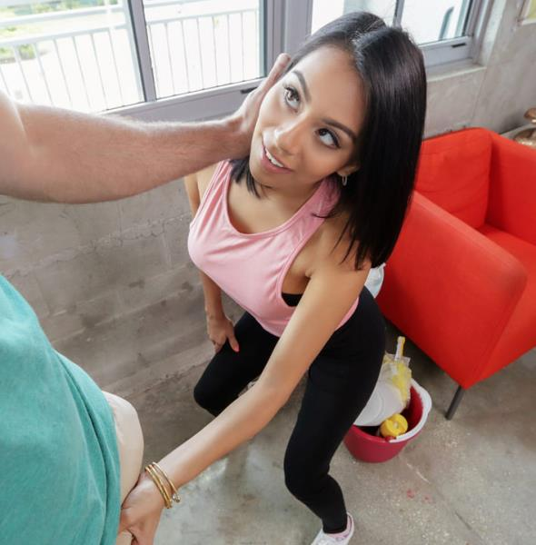 DontBreakMe / Mofos - Monica Asis - Monica the Miniature Maid [SD 272p]