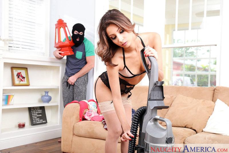 MyFriendsHotGirl.com / NaughtyAmerica.com: Jade Jantzen [SD] (280 MB)