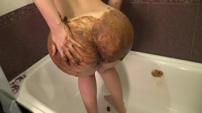 Princess Mia - Scat smearing (Scat Porn) FullHD 1080p