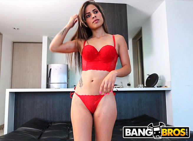 ColombiaFuckFest.com / BangBros.com: Valery Gomez - Valery Gomez First Time In Front Of The Camera [SD] (226 MB)