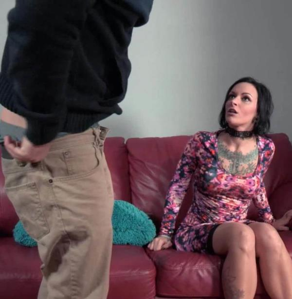 Lux Orchid - This Hurts Mommy More (ModernTabooFamily/Clips4sale)  [FullHD 1080p]