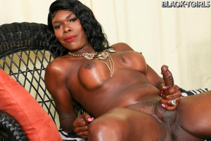 Gezelle - Sexy Gezelle Returns! (Black-TGirls) FullHD 1080p